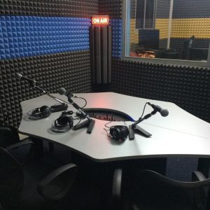 Station Radio FM 100 W