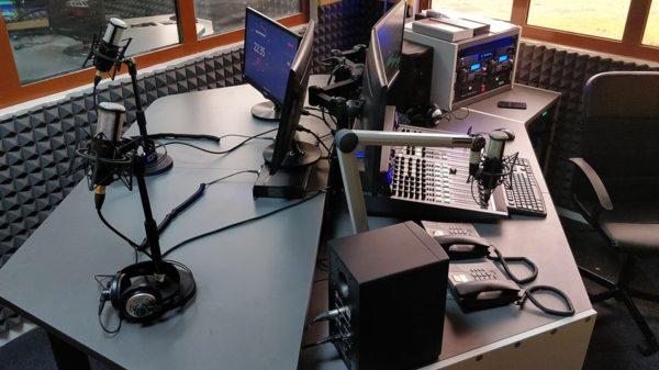 Mobilier-Eletec-pour-Radio FM et station fm afrique