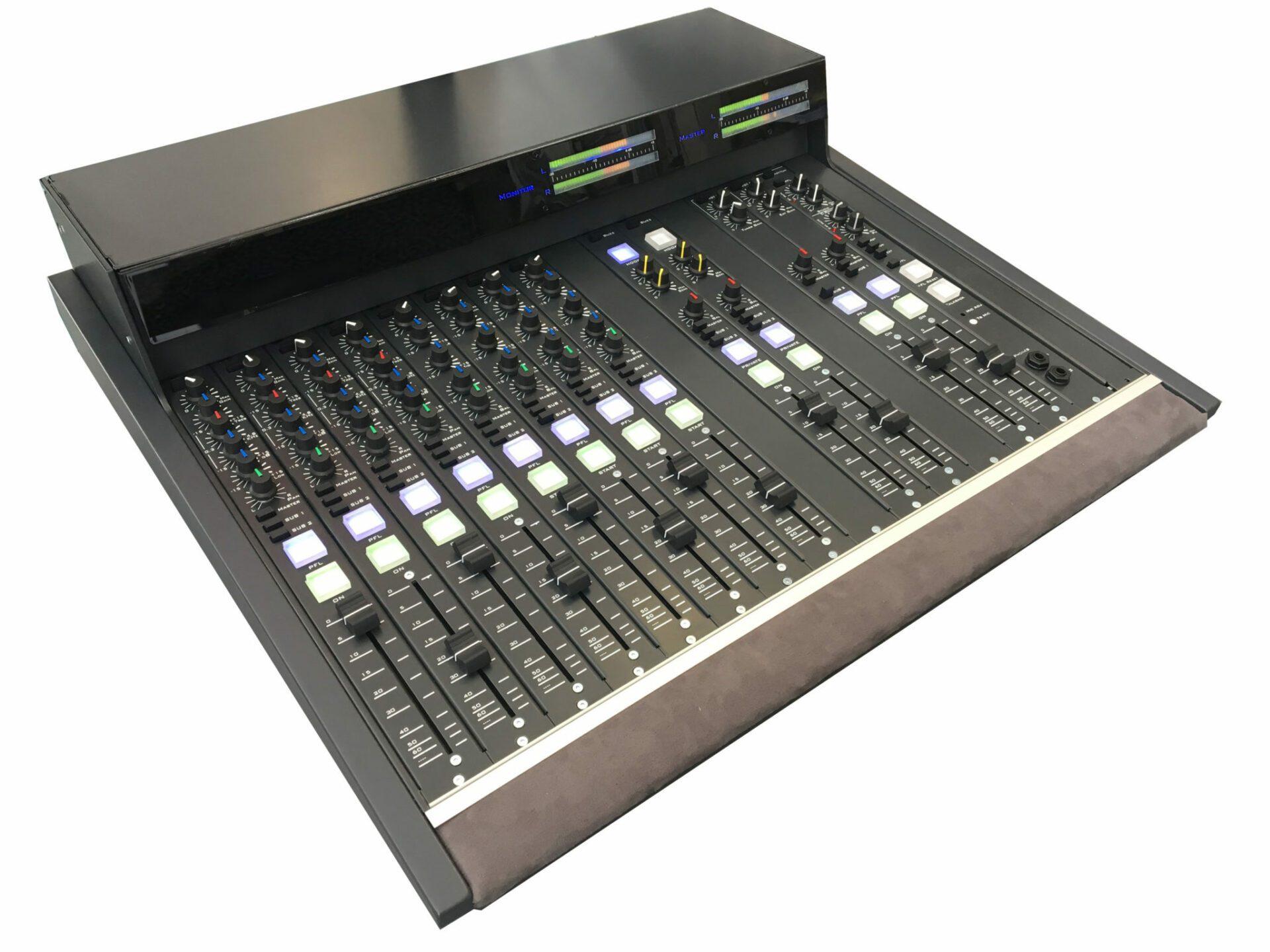 E16M Console Radio Broadcast Modulaire